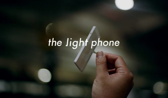 Light phone özellikleri