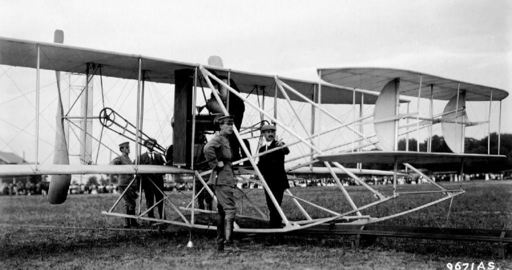100 yıl önce yapılan ilk uçuş denemeleri