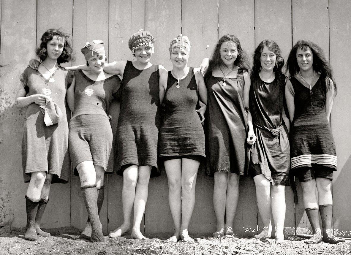 100 yıl önce kadınların mayo giymesi
