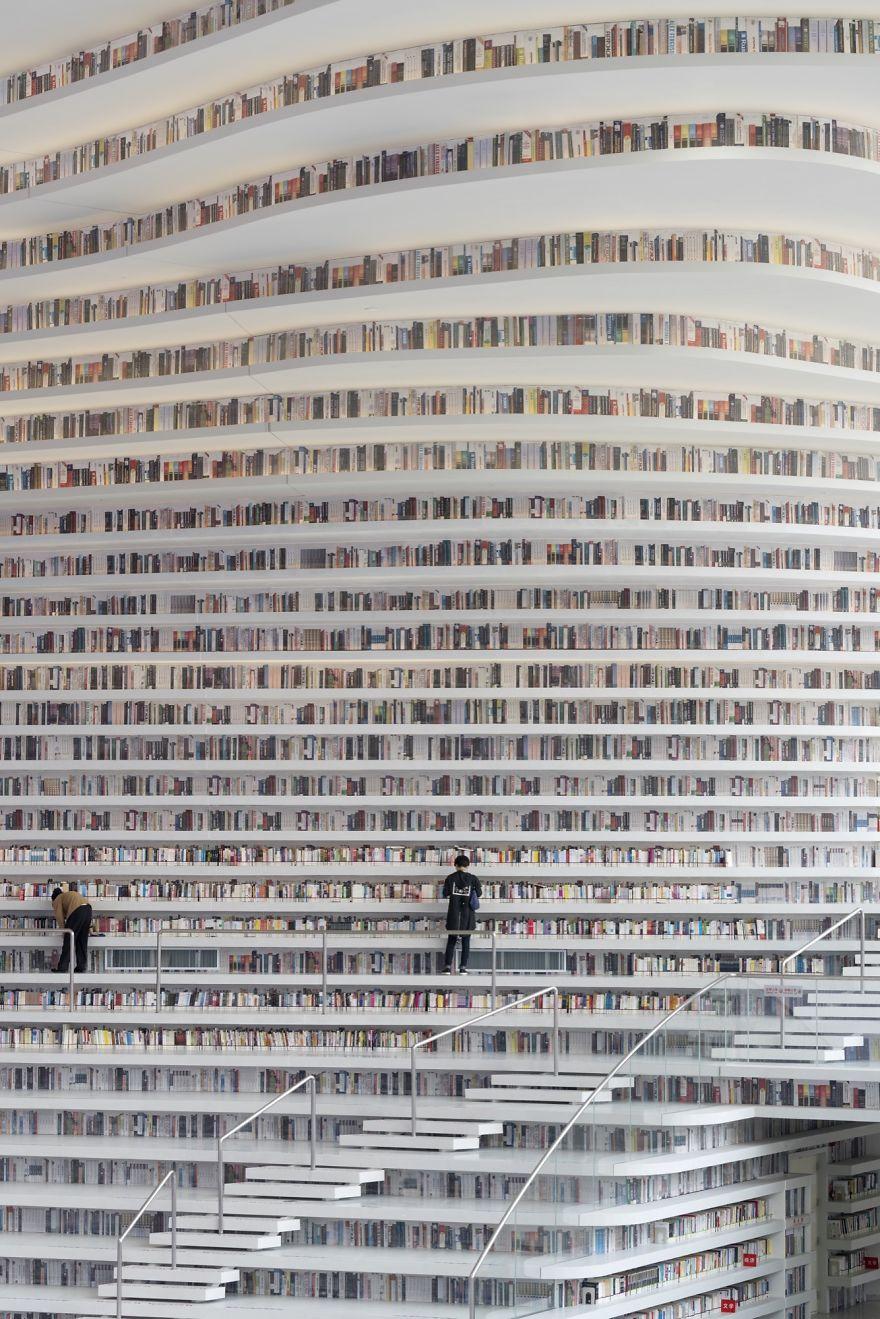 1.2 milyon kitap kapasiteli