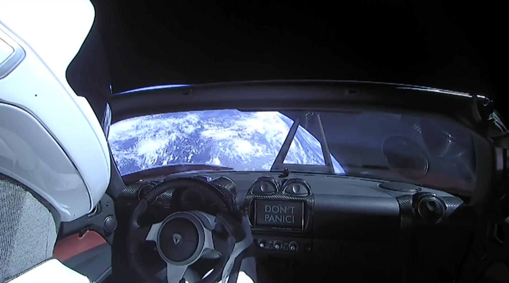 elon musk'ın uzaya gönderdiği araç