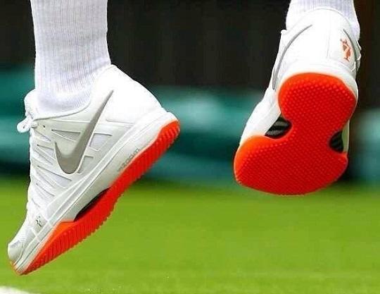 federere uyarı cezası aldıran ayakkabıları