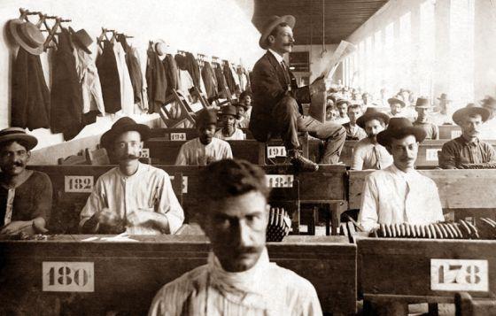 fabrika çalışanları için şovmenlik
