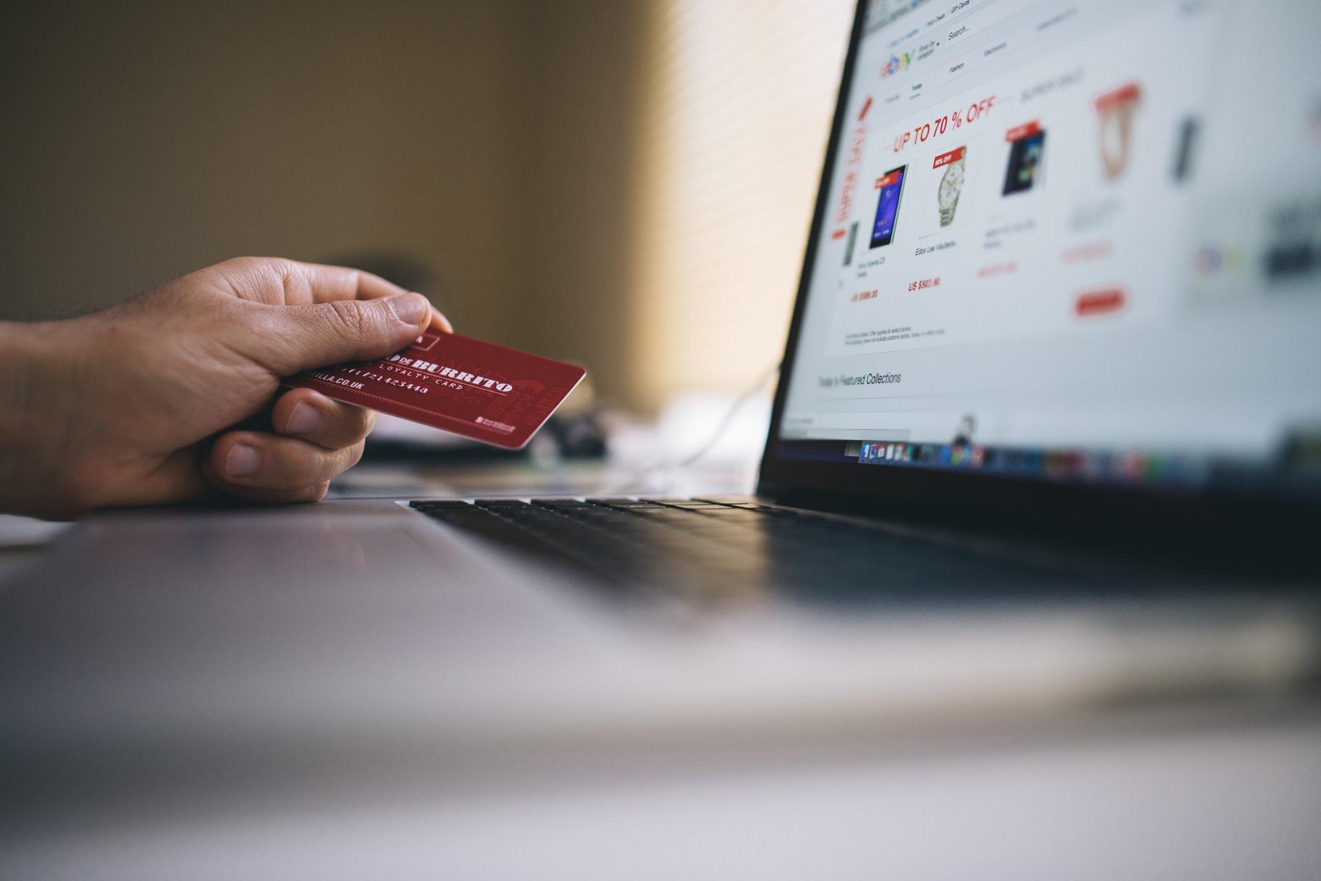 alışveriş sitelerinde AI sayesinde kişisel öneriler sunulması