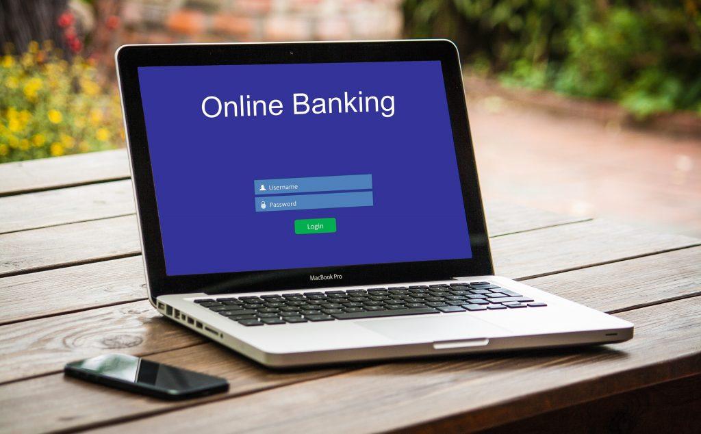 Koronavirüse karşı alınan önlemler kapsamında bankacılık işlemlerinin online olarak yapılması önem kazandı.
