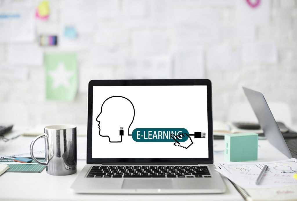 eğitimde dijitalleşme Covid-19 döneminde hızlanan uzun vadeli olacak bir eğilimdir