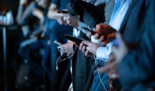 sosyal-medya-yasasi-ya-da-denetimli-sosyal-medya
