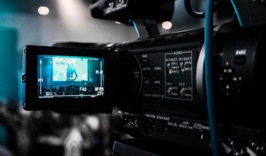 biyografik-filmler-gercek-kisileri-ve-canlandiran-oyunculari